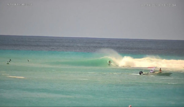 Tasty Waves in Cane Garden Bay